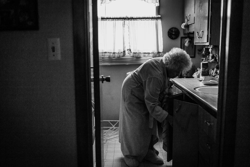Lifestyle Documentary Great Grandparents Made Beloved Photography Cedar Falls Iowa-3.jpg