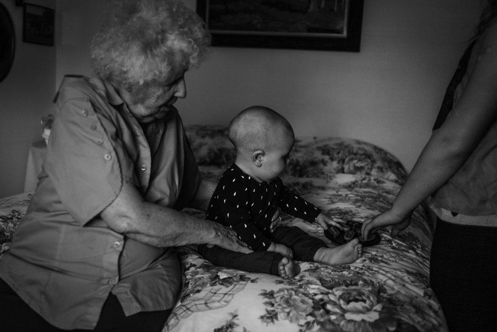 Lifestyle Documentary Great Grandparents Made Beloved Photography Cedar Falls Iowa-5.jpg