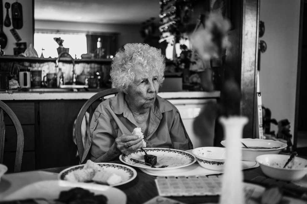 Lifestyle Documentary Great Grandparents Made Beloved Photography Cedar Falls Iowa-12.jpg