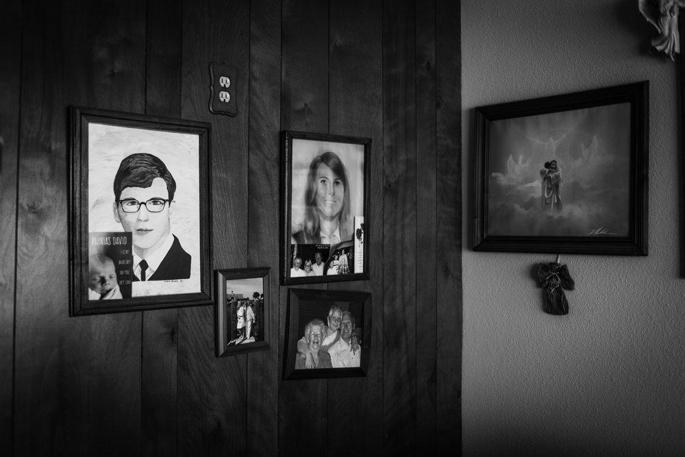 Lifestyle Documentary Great Grandparents Made Beloved Photography Cedar Falls Iowa-24.jpg