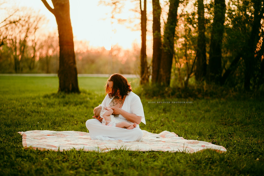 CEDAR VALLEY BREASTFEEDING AWARENESS PROJECT MADE BELOVED PHOTOGRAPHY IOWA-37.jpg