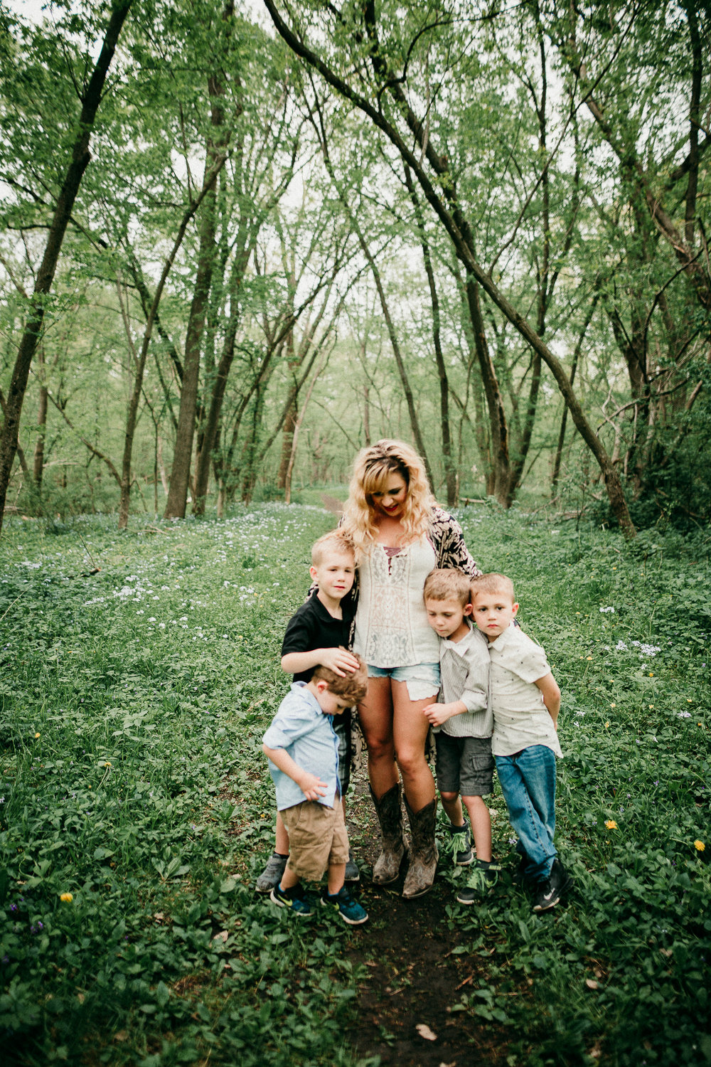 MOTHERS DAY SESSION MADE BELOVED PHOTOGRAPHY CEDAR FALLS IOWA-2.jpg