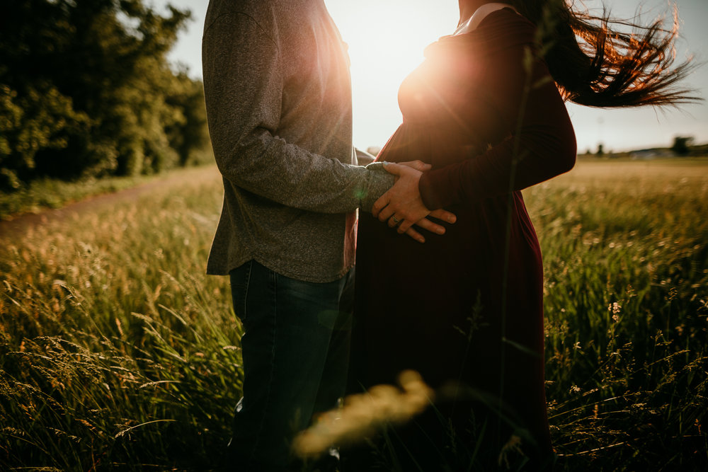 COUPLES MATERNITY SESSION MADE BELOVED PHOTOGRAPHY CEDAR FALLS IOWA-8.jpg