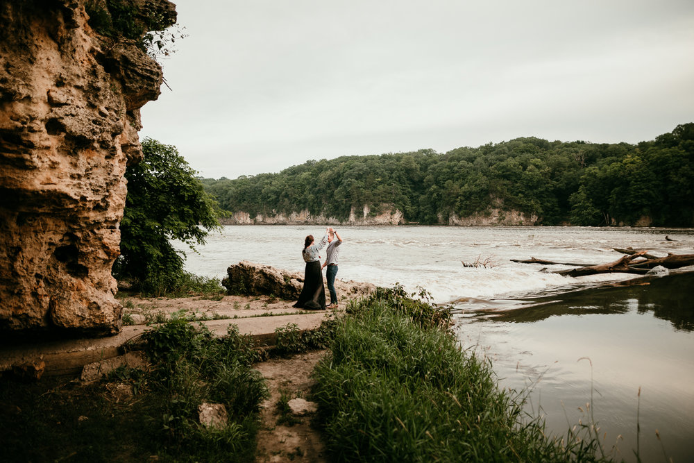 IOWA COUPLES SESSION CEDAR FALLS MADE BELOVED PHOTOGRAPHY