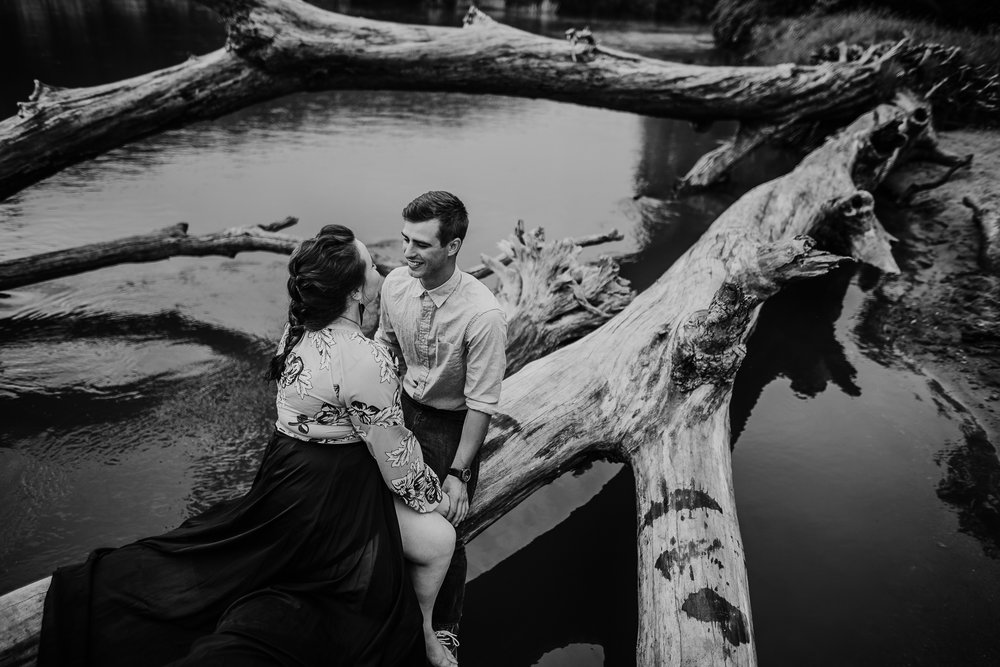 IOWA COUPLES SESSION CEDAR FALLS MADE BELOVED PHOTOGRAPHY-32.jpg