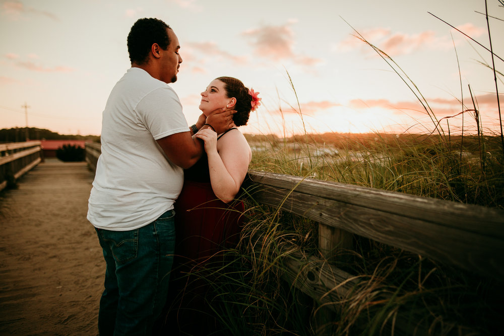 BEACH MATERNITY SESSION MADE BELOVED PHOTOGRAPHY CEDAR FALLS IOWA-3.jpg