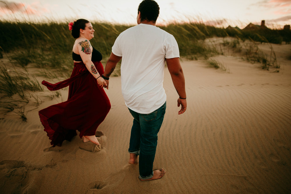 BEACH MATERNITY SESSION MADE BELOVED PHOTOGRAPHY CEDAR FALLS IOWA-7.jpg