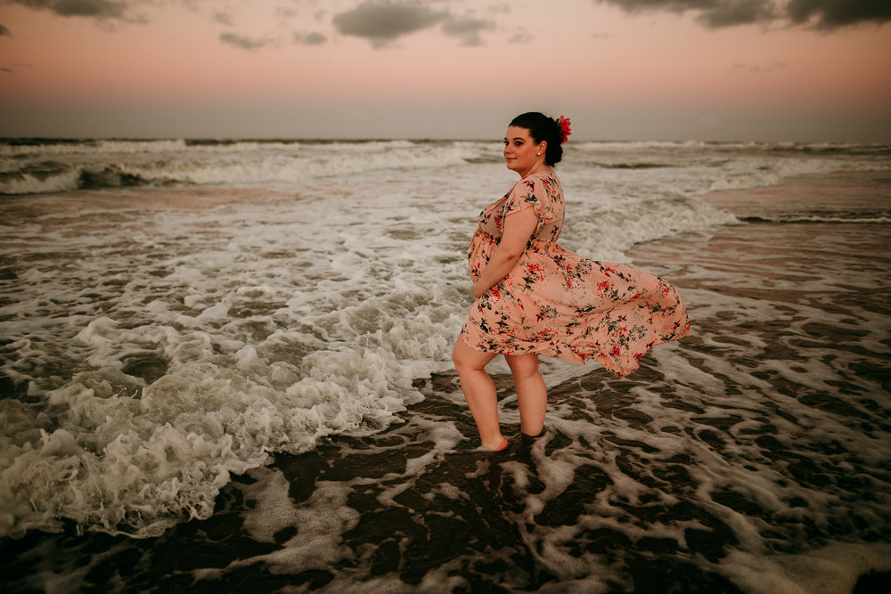 BEACH MATERNITY SESSION MADE BELOVED PHOTOGRAPHY CEDAR FALLS IOWA-20.jpg