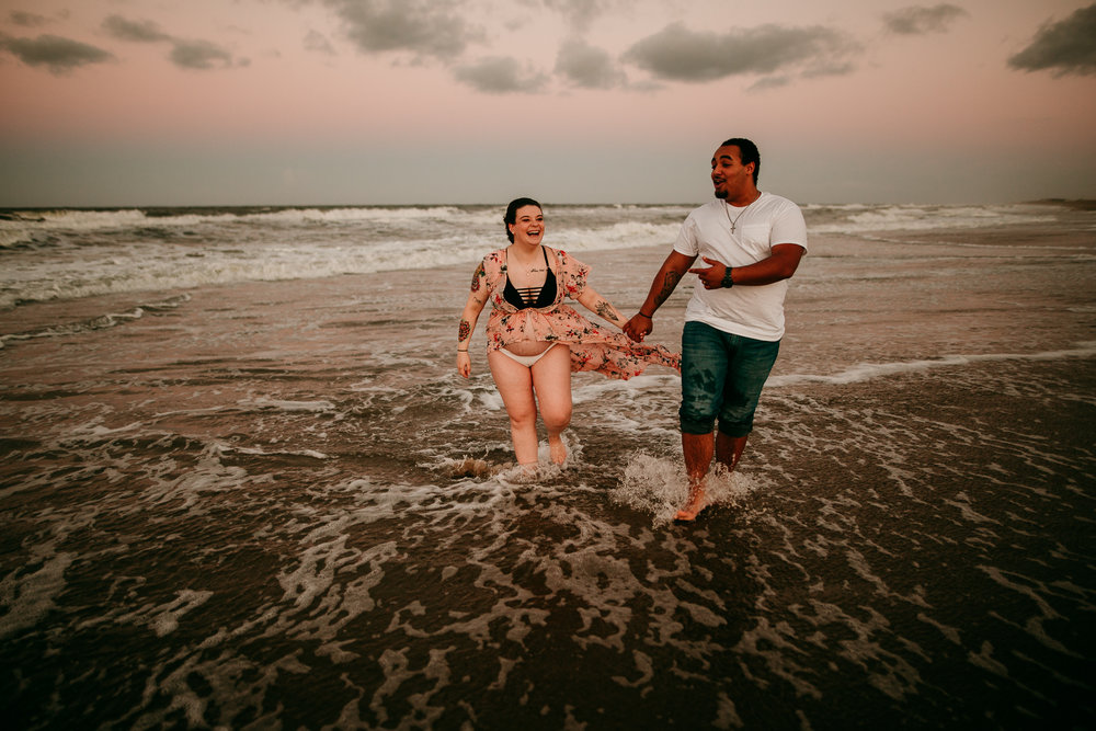 BEACH MATERNITY SESSION MADE BELOVED PHOTOGRAPHY CEDAR FALLS IOWA-29.jpg