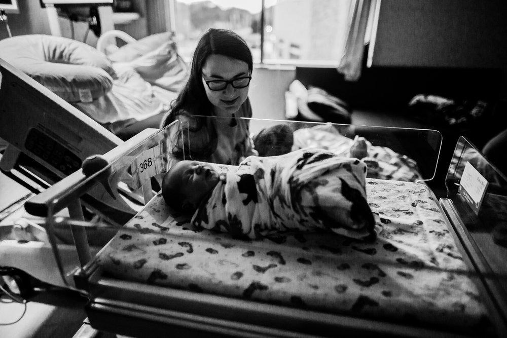 FRESH 48 NEWBORN LIFESTYLE MADE BELOVED PHOTOGRAPHY CEDAR FALLS IOWA-7.jpg
