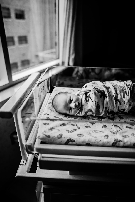 FRESH 48 NEWBORN LIFESTYLE MADE BELOVED PHOTOGRAPHY CEDAR FALLS IOWA-12.jpg