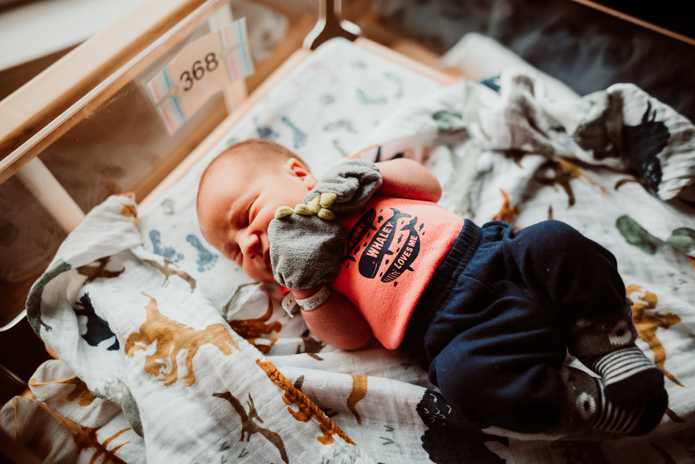 FRESH 48 NEWBORN LIFESTYLE MADE BELOVED PHOTOGRAPHY CEDAR FALLS IOWA-19.jpg