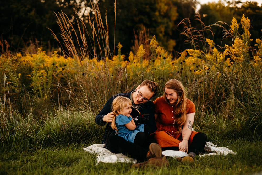 FAMILY PHOTOS - MADE BELOVED PHOTOGRAPHY CEDAR FALLS IOWA-15.jpg