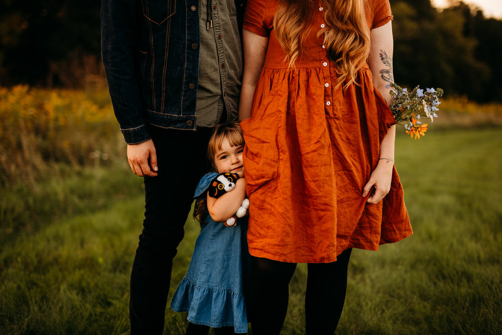 FAMILY PHOTOS - MADE BELOVED PHOTOGRAPHY CEDAR FALLS IOWA-31.jpg