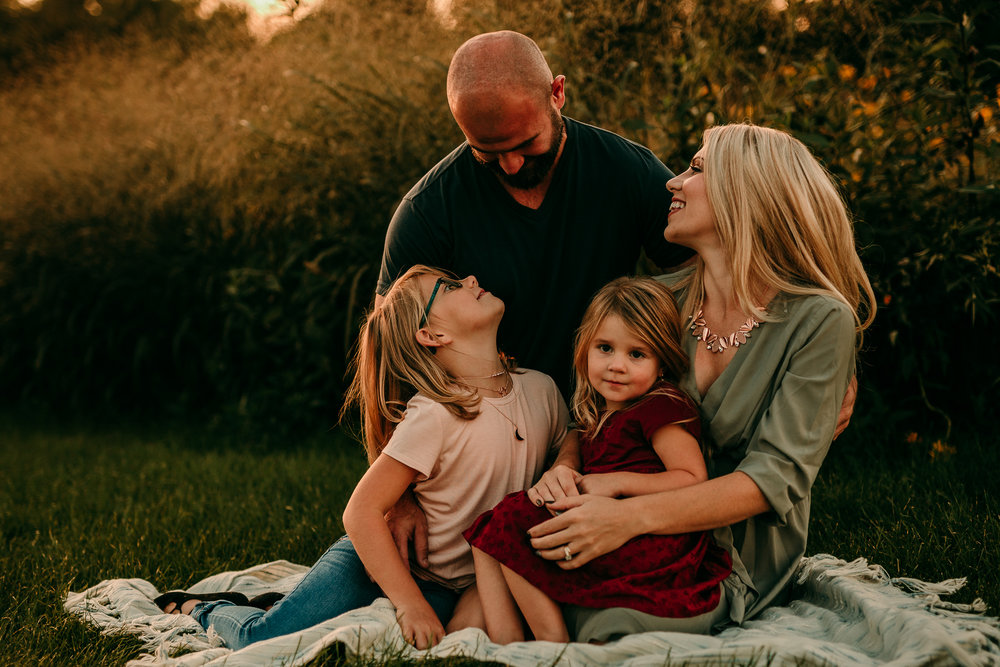 FAMILY PHOTOS - MADE BELOVED PHOTOGRAPHY CEDAR FALLS IOWA-13.jpg