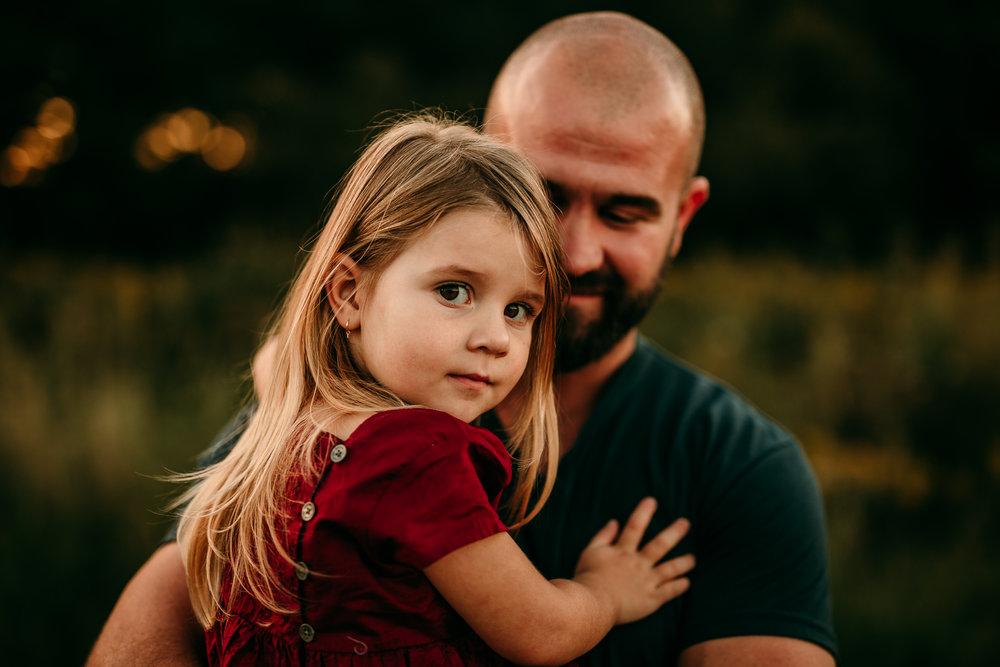 FAMILY PHOTOS - MADE BELOVED PHOTOGRAPHY CEDAR FALLS IOWA-2.jpg