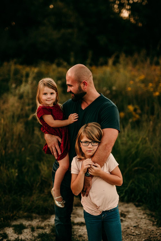 FAMILY PHOTOS - MADE BELOVED PHOTOGRAPHY CEDAR FALLS IOWA-1.jpg