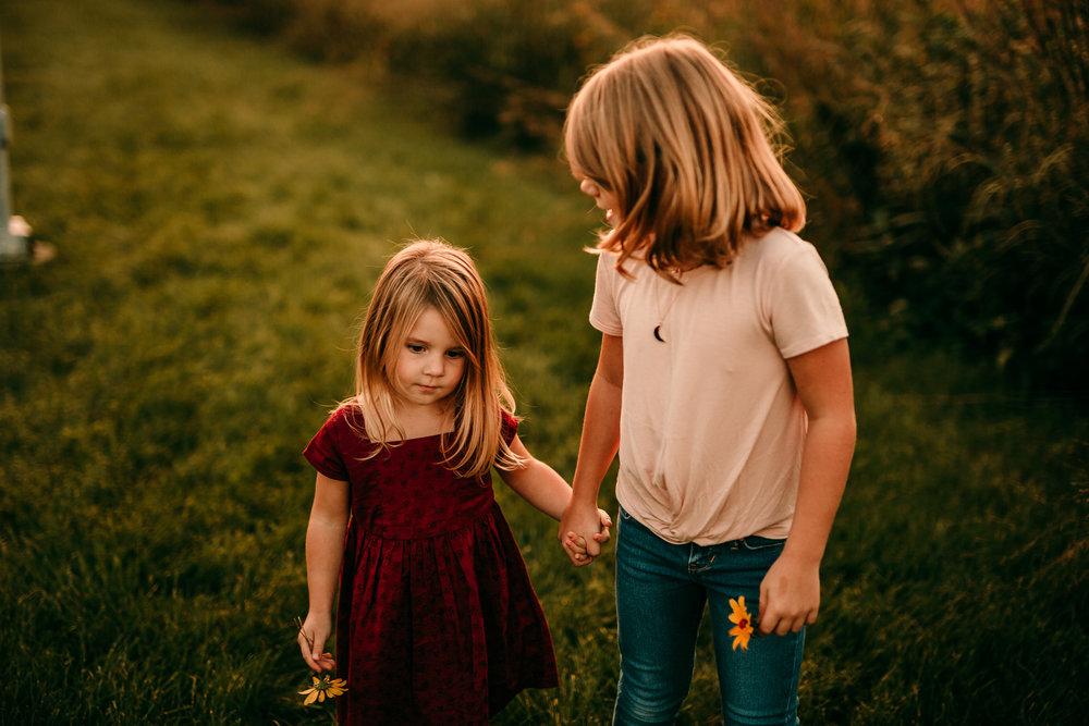 FAMILY PHOTOS - MADE BELOVED PHOTOGRAPHY CEDAR FALLS IOWA-30.jpg