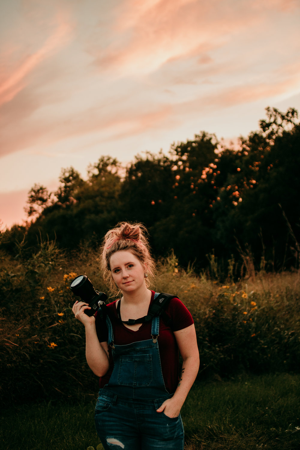 Hey There! - I'm Lexy, the owner/photographer! Click HERE to read more about yours truly, click HERE to contact me!I have a passion for in between moments. Loving glances, baby giggles and dancing like no one is watching.