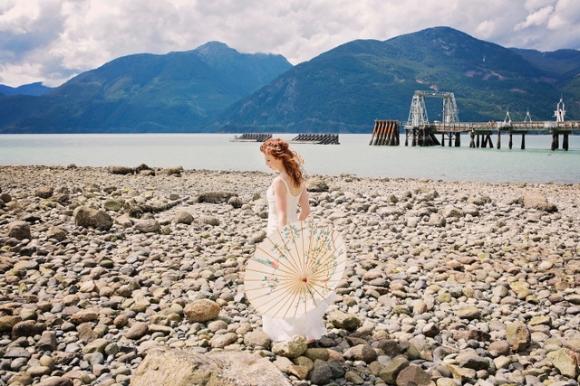 Squamish Wedding Officiant - Photo by Squamish Wedding Photographer Pascale Gadbois