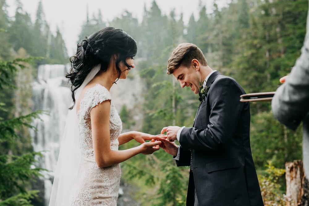 allison-linden-alexander-falls-nita-lake-whistler-elopement-web-230.jpg