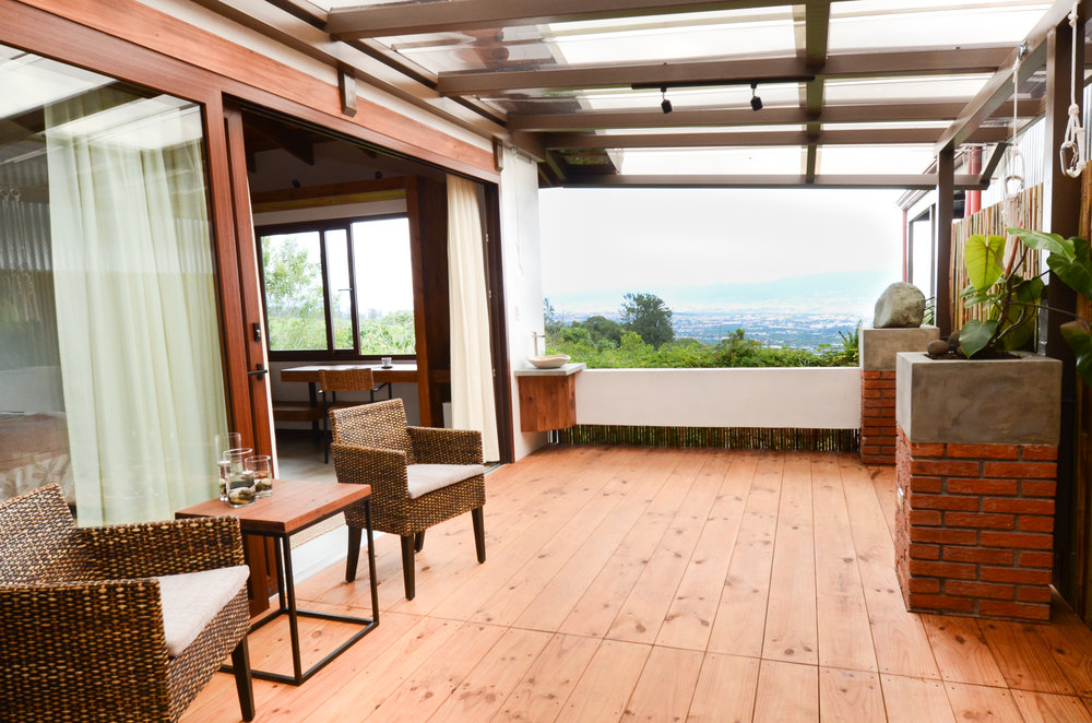0008_Outside patio with view 2.jpg