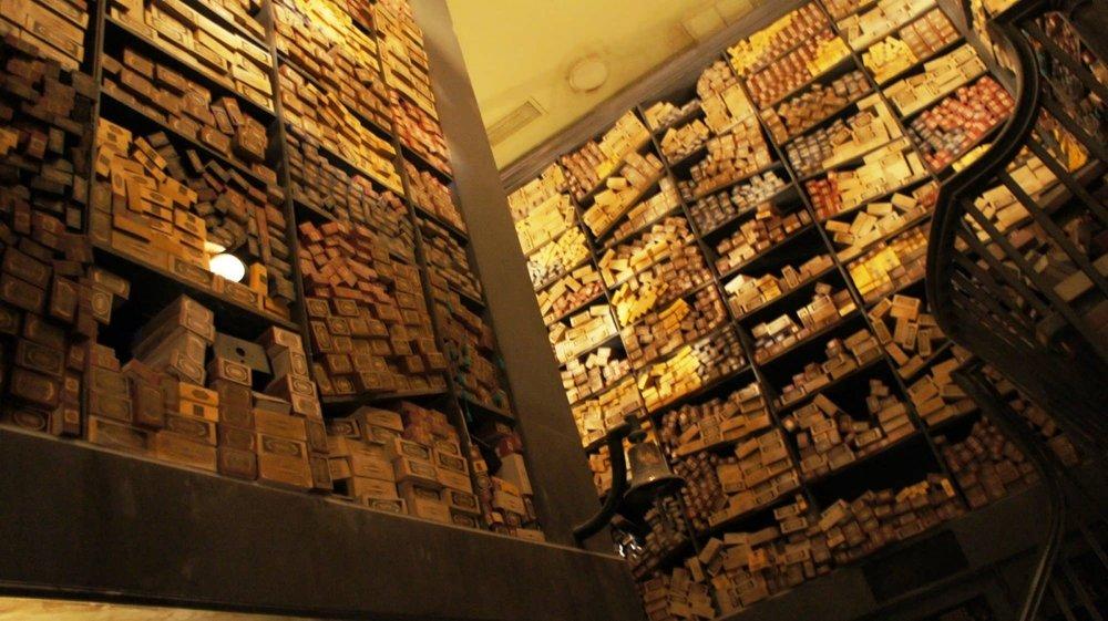 ollivanders-wand-shop-wizarding-world-of-harry-potter-771-oi.jpg