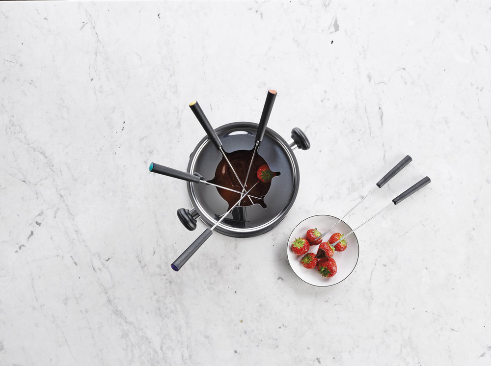 Perfect to enjoy a nice meat, cheese or  chocolate fondue with friends!