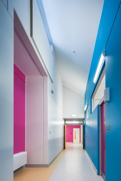 Gaelscoil-de-hIde-Oranmore-Internal-Corridor.jpg