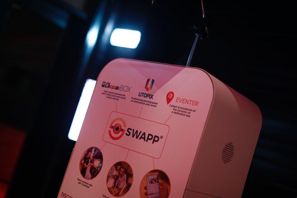 Un partenariat centré autour de lA photo - Nous travaillons avec Utopix et CheeeseBox pour apporter une solution tout-en-un avec une CheeeseBox et un photographe connectés à Eventer.