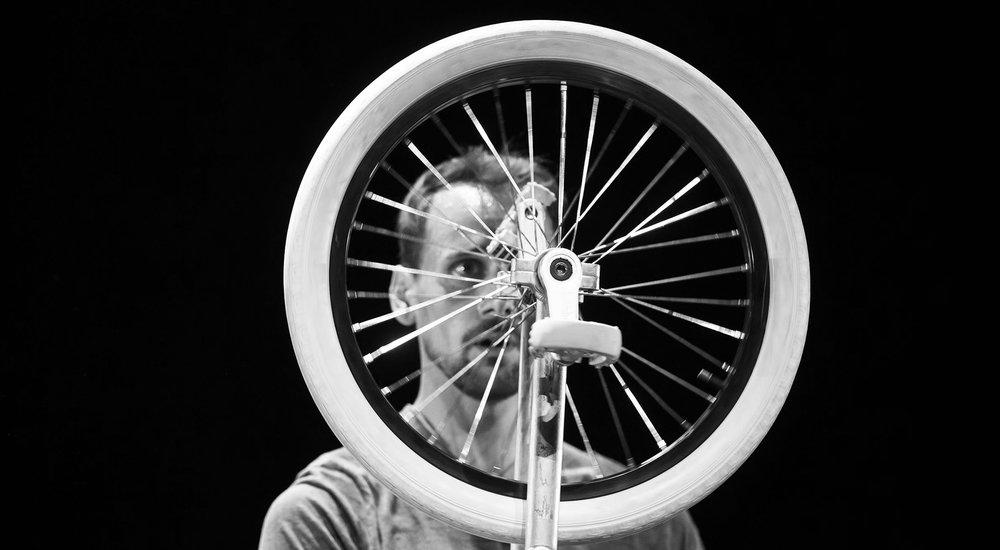 Anthrop Joackim Ciocca Cirque Danse contemporaine Théâtre