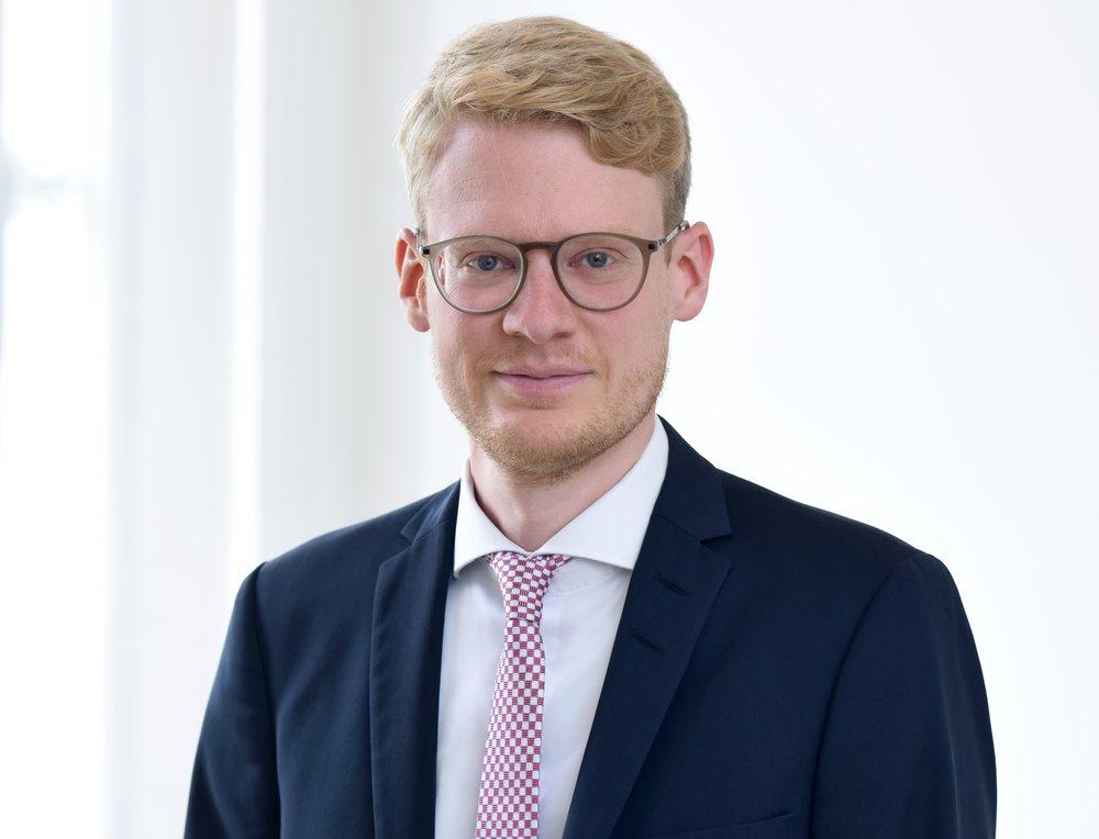 Dr. Roland Kühne  Rechtsanwalt  mehr