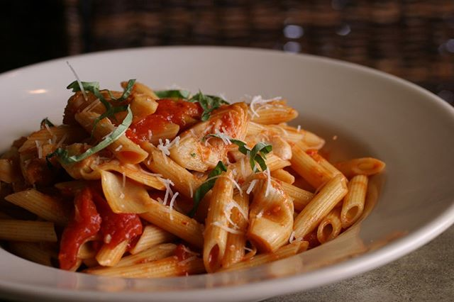 TGIF! We're celebrating with pasta! How about you? 🍝🍝. . .#Uccellos #pasta #uccellosristorante #eatgr #experiencegr