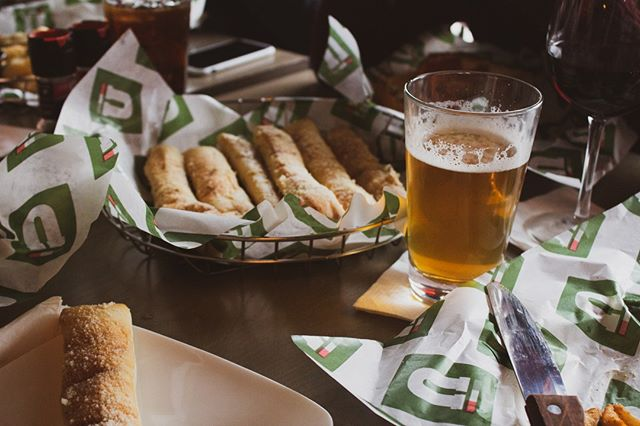 It's game day! Enjoy half-off Tall Domestic Drafts when watching the Lions thrash the Vikings! 🦁🏈 . .#OnePride #NFL #sportsbar #westmi #westmichigan #uccellos #uccellosristorante