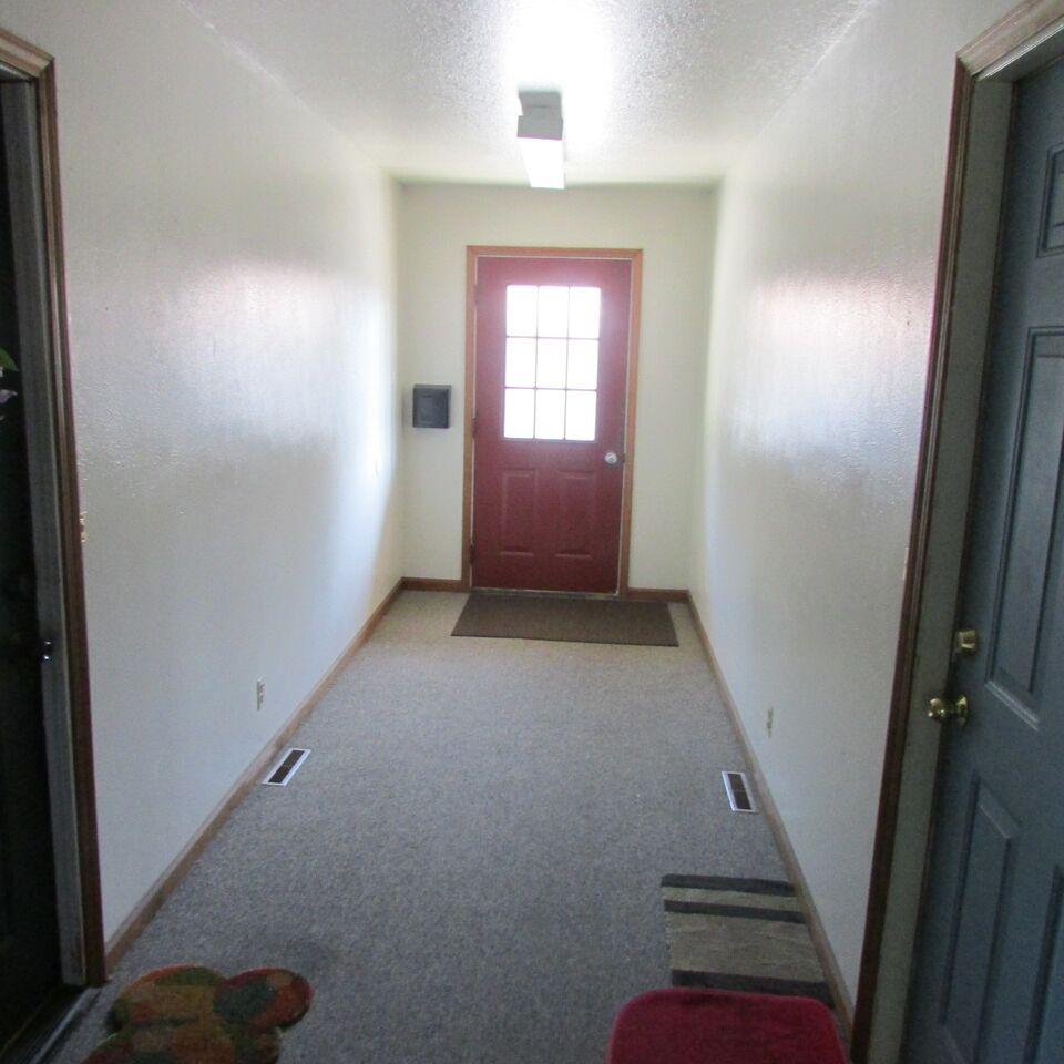 Common Hallway Entrance1.jpg