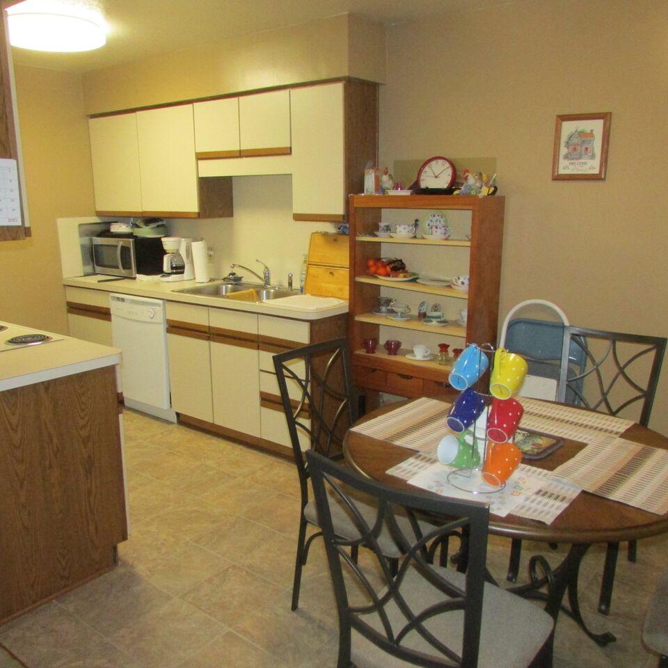 Kitchen.Dining.jpg