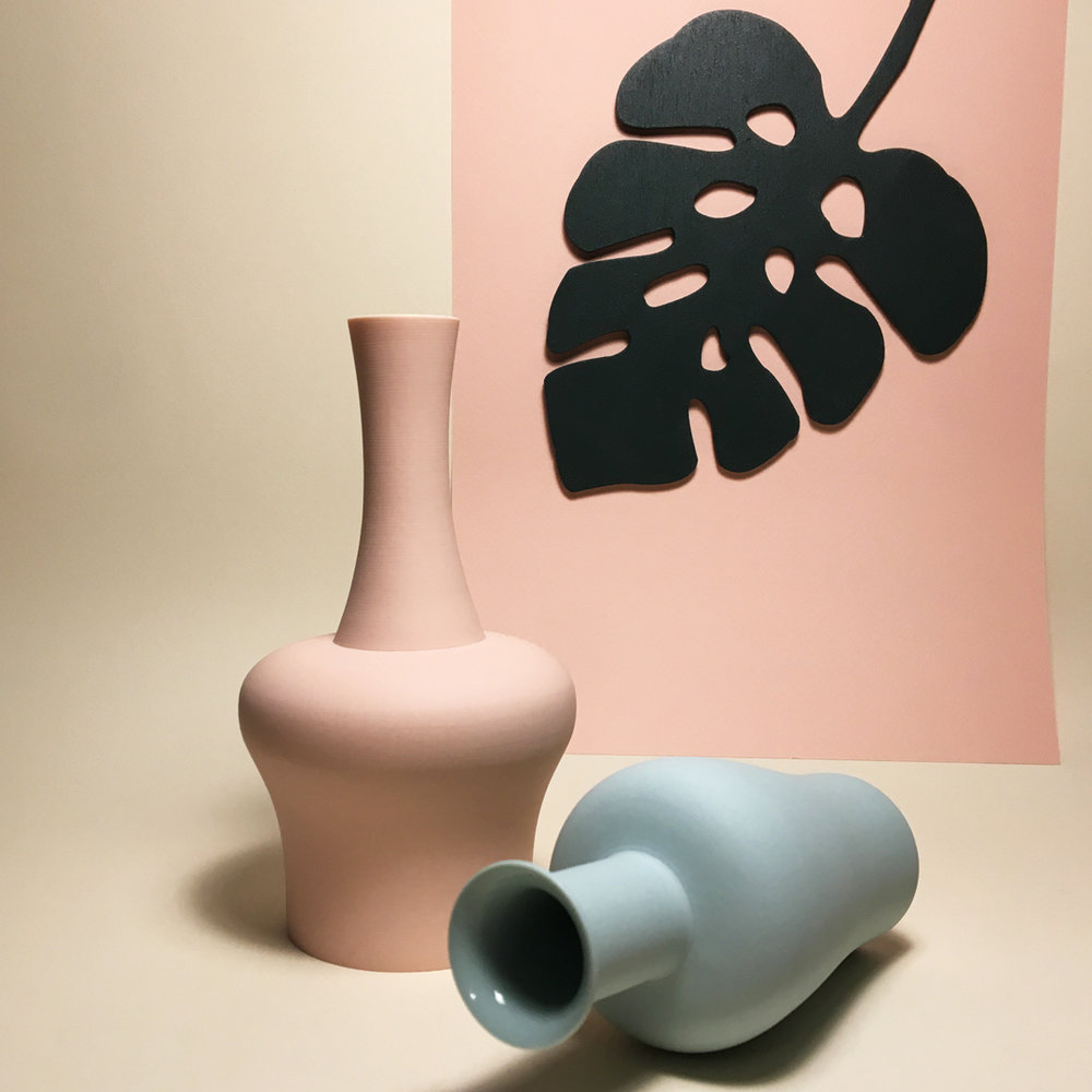 MIDDLE KINGDOM MINI VASE  / wooden Lazy Plant by @frenchtoaststudio  Credit : Design Hunger