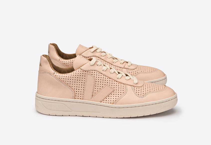 V-10 Leather Mat Nude by  VEJA