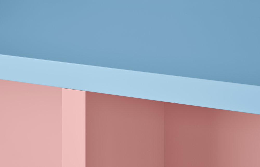 ALERIO table / Pic by Ragnar Schmuck