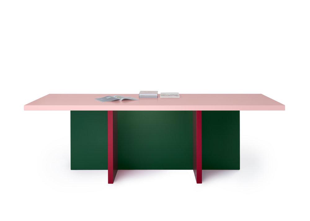 MODESTO table / ALERIO table / Pic by Ragnar Schmuck