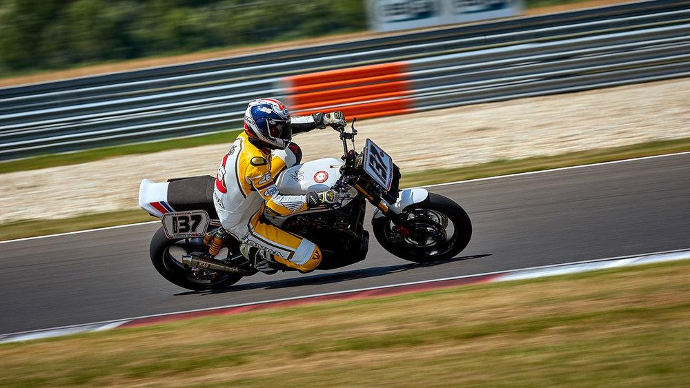 ©alschner-fotografie-motorräder-bike-motorcycle-picture-custombike-customizing-aktion-28.jpg