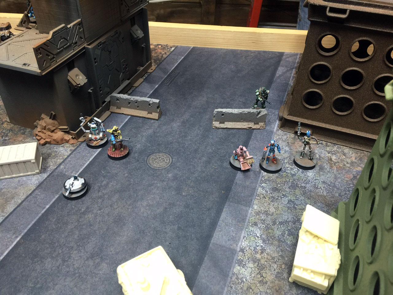 dredd-robot-turn1