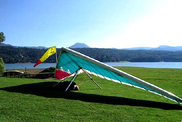 Hang glider.jpg
