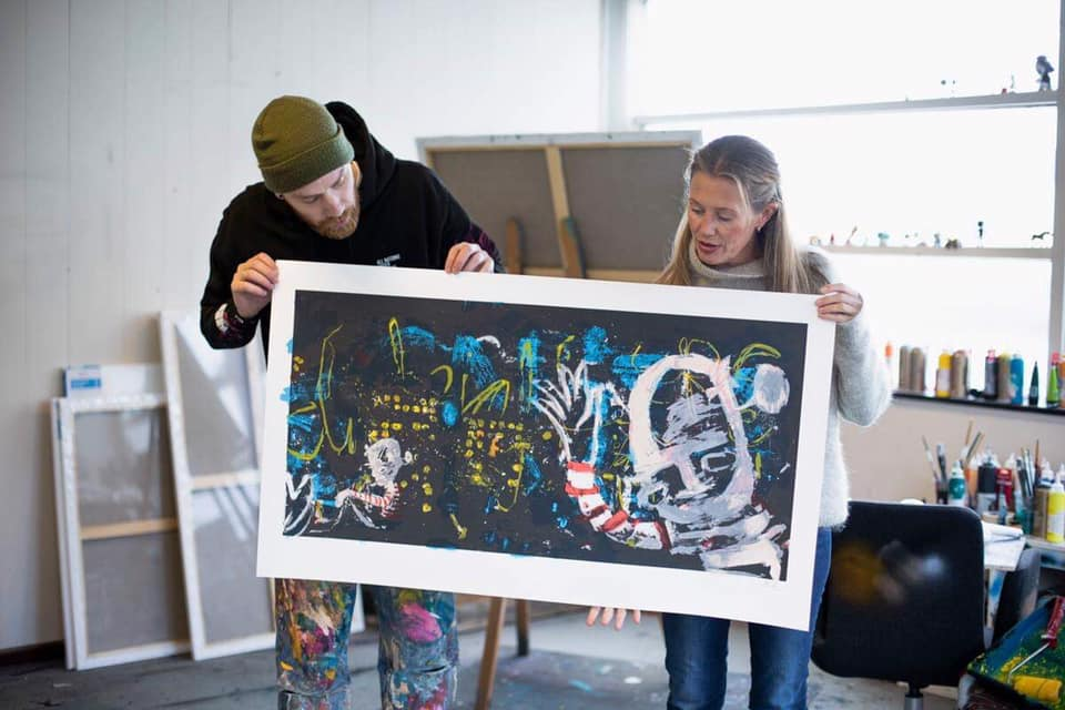 En av gavene til kunstauksjonen er et litografi av Ståle Gerhardsen.
