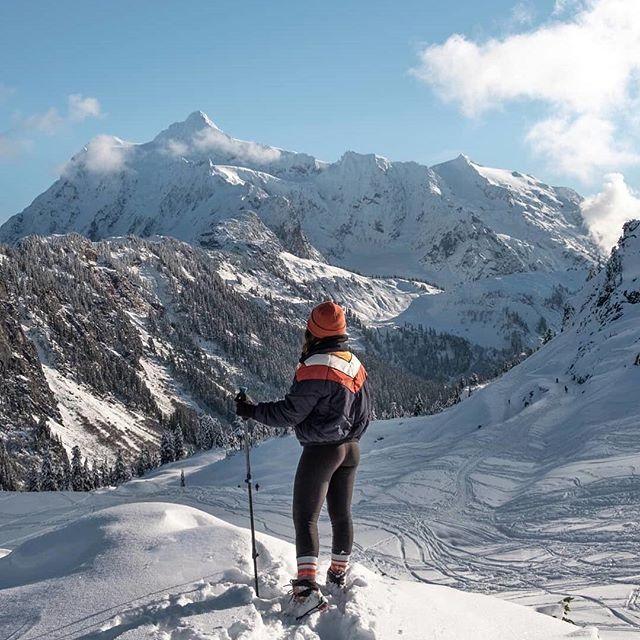 @polenebee takes the Heidi Ski Puffer on an adventure.📍 #weekend #sunday #hiking #snow #explore #nature #scenery