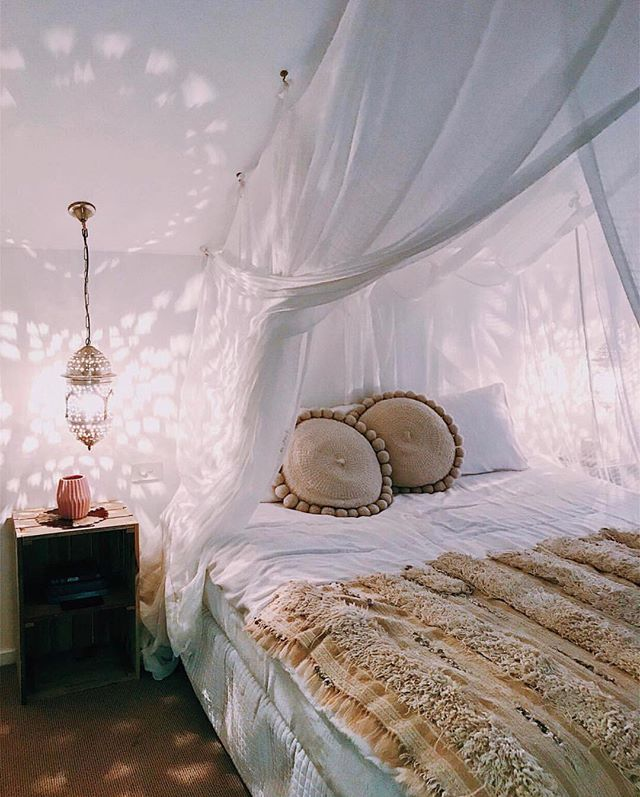 Sweet dreams.💫 #monday #goodnight #inspo #decor #roomgoals #cozy #comfy 📷: @kirstycane