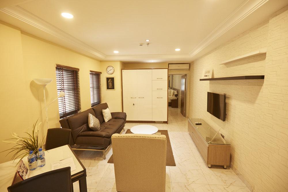 1 Bed Deluxe Living Room 3.jpg