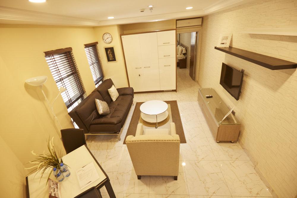 1 Bed Deluxe Living Room 4.jpg
