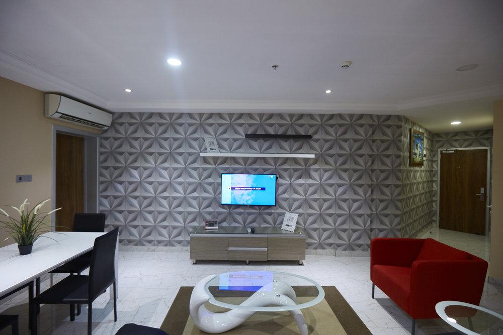 1 Bed Deluxe Living Room 1.jpg