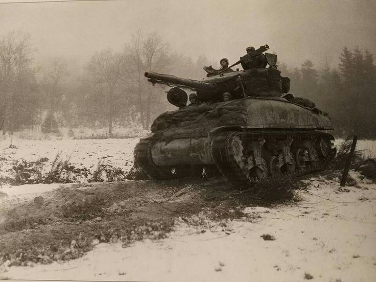 M4A1 (76) of Command Command Reserve, 3 Jan 1945.